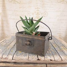 Box, old tin container, The metal tin, metal box, box, container,