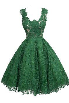 Vintage Scoop Knee-Length Sleeveless Hunter Lace Homecoming Dress