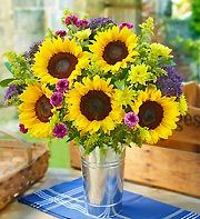 Sunflowers make for a lighthearted, happy centerpieces