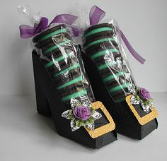witches shoes for Halloween -  the cookies are genius! #halloween #treat