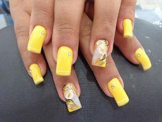 Unhas decoradas com flores em carga dupla (Ana Paula VIllar) Colorful Nail Designs, Nail Art Designs, Easter Nails, Great Nails, Nail Art Galleries, Nail Arts, Spring Nails, Nails Inspiration, Pedicure