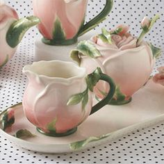 Rose Creamer, Sugarbowl and Tray set by Two's Company., You are able to enjoy morning meal or various time periods applying tea cups. Tea cups also have ornamental features. When you consider the tea cup models, you might find this clearly. Tea Cup Set, Tea Cup Saucer, Tea Sets, Design Vitrail, Keramik Design, Keramik Vase, Teapots And Cups, Cream And Sugar, Chocolate Pots
