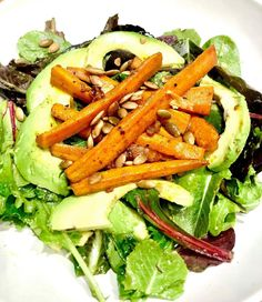 Roasted carrots and avocado salad inspidred by the book Cravings Hungry for more. Avocado Lime Dressing, Avocado Salad, Clean Recipes, Diet Recipes, Healthy Recipes, Roasted Carrots, Recipes For Beginners, A Food, Cravings
