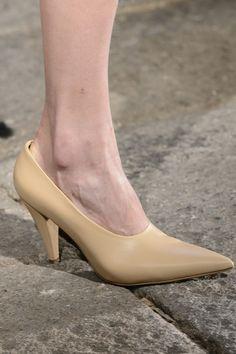 MaxMara at Milan Fashion Week Fall 2017 - Details Runway Photos