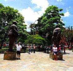 Open air museum, Medellín! – QUO VADO ?! Wrestling, Statue, Travel, Fernando Botero, Bucaramanga, Museum, Colombia, Lucha Libre, Viajes