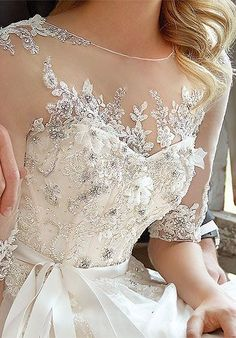 One word for this wedding dress: stunning! Picture yourself in this glamorous gown, walking down the aisle in your dream wedding, surrounded by family and friends. Dream weddings come to life when you choose South Lake Tahoe for your destination wedding. #destinationwedding #Tahoewedding www.tahoeweddingsites.com