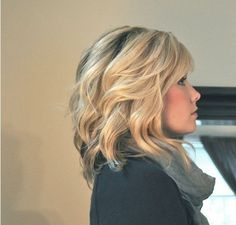 Soft waves for shoulder length hair - not that I could ever have waves with my hair...