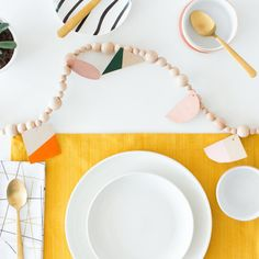 25 DIYs To Spruce Up Your Thanksgiving Table