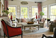 French country and traditional style come together beautifully in this charming home tour of Savvy Southern Style. You'll enjoy every square inch!