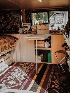 Remove VW – a screwdriver interview with Ella – PaulCamper Magazin DE - Van Life Bus Life, Camper Life, Vw Camper, Campers, Vw T3 Westfalia, T3 Vw, Volkswagen Bus, Rangement Caravaning, Trailer Casa