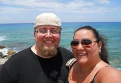 In 2011, Robert Foster weighed 327 lbs and his wife Jessica weighed 287 lbs. Their weight had gotten pretty bad and they felt they were caught in a downward spiral. | This Colorado Couple Shed A Combined 280 Lbs And The Before And After Photos Are Incredible
