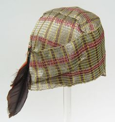 1920's straw with feather flapper cloche hat