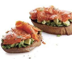 i♥Tasty  |  ..'#Smoked Salmon and #Avocado #Sandwiches' (easy prep)