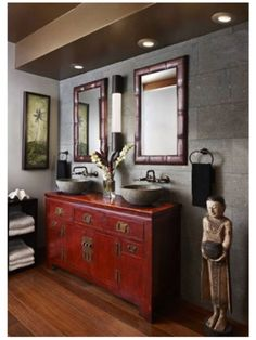 Feel the passion of design with these red sideboard ambiances. Deep burgundy or bright scarlet, red will bring personality to any interior. Asian Inspired Decor, Asian Home Decor, Diy Home Decor, Balinese Interior, Asian Interior Design, Asian Design, Asian Bathroom, Chinese Bathroom, Bathroom Ideas
