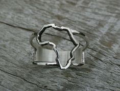 Africa Ring, Continent ring Sterling Silver map of Africa ring, African ring #Handmade #African Africa Continent, Africa Map, Maputo, Gold Diamond Rings, Continents, Sterling Silver Rings, My Favorite Things, Unique Jewelry, Bracelets