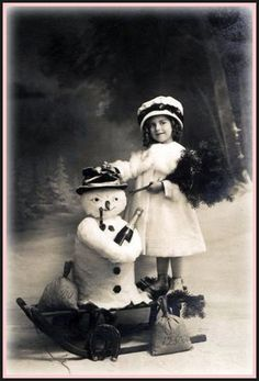 Cute old Christmas/Winter photo! Vintage Christmas Photos, Old Fashioned Christmas, Christmas Past, Victorian Christmas, Christmas Pictures, Christmas Snowman, Xmas, Snowman Party, Christmas Mantles