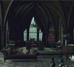 #wattpad #de-todo Snape tuvo una hija, ¿pero con quien?  Sorprendentemente es hija de Lily Potter, tuvo a Syria primero pero escondía su barriga de James Potter, después tuvo a Harry, los dos nacieron en el mismo año (esta Lily es una lokilla) pero no quieren saber de Syria. Primero: Snape no puede tenerla. Segundo:...