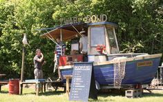 Use an easily transportable boat as your pop-up restaurant or kiosk space! Food Stall Design, Mall Kiosk, Boat Food, Pop Up Restaurant, Kiosk Design, Food Box, Food Trailer, Mobile Shop, Food Carts