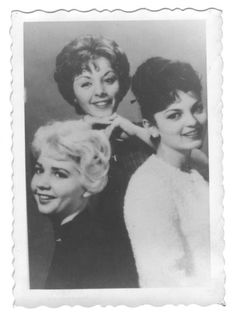 Carole with Justine and Pat The Lennon Sisters, American Bandstand, Old Tv Shows, The Old Days, Classic Tv, Black And White Pictures, Great Memories, Vintage Photographs, Rock And Roll