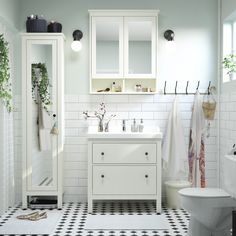 A little me-time goes a long way! Click to find IKEA bathroom furniture that gives you space for everything you need – and smart ways to organize it all.