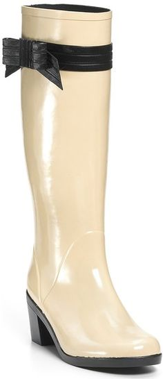 Kate spade rain boots !! Who woulda thought rain boots could be so cute & girly!