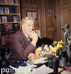 New poet Laureate, Cecil Day-Lewis pictured at his home in Greenwich, London. Modern Poetry, Greenwich London, Daniel Day, Day Lewis, Composers, Sports Pictures, Painters, Frost, Britain