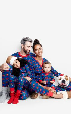Matching PJ's - The ultimate holiday Hanna Andersson tradition. Join the party! #hannajams