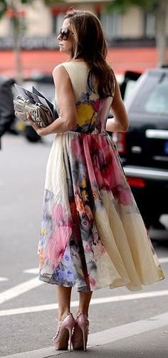 street style / floral print dress