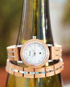 Ako je už pre hodinky z kolekcie Barrique zvykom, ich hlavný materiál tvorí pevné dubové drevo, v ktorom pred časom zrelo kvalitné víno. Watches, Accessories, Wristwatches, Clocks, Jewelry Accessories