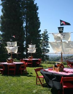 Outdoor parties are fab as you have so much more space to work with! The pirate ship (complete with sail) idea looks great!!! Maybe add a bit more glitz for the birthday boys table!