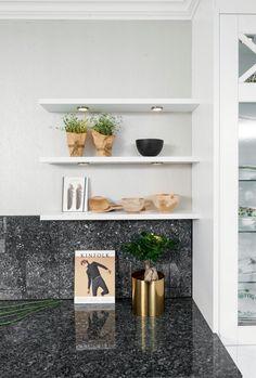 Designer og stylist: Nina Th. Fredrikstad, Floating Shelves, Kitchens, Studio, Design, Home Decor, Decoration Home, Room Decor, Wall Shelves