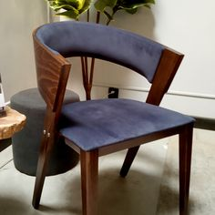 Wygoda, klasa i design 😍 Podoba Ci się krzesło w tkaninie Tokyo? Tokyo, Dining Chairs, Furniture, Home Decor, Decoration Home, Room Decor, Tokyo Japan, Dining Chair, Home Furnishings