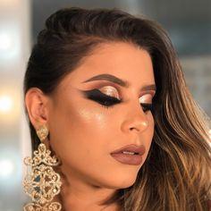 Tutorial Delineado Asa de Anjo por Priscilla Lessa Dope Makeup, Glam Makeup Look, Sexy Makeup, Eyebrow Makeup, Makeup Inspo, Beauty Makeup, Makeup Looks, Hair Beauty, Beautiful Eye Makeup
