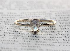 14k Pear Labradorite Ring, Teardrop Labradorite Ring, Tear Ring, Prong Setting, Solid Gold, Statement Ring, Solitare Ring