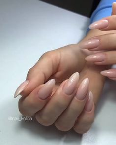 On average, the finger nails grow from 3 to millimeters per month. If it is difficult to change their growth rate, however, it is possible to cheat on their appearance and length through false nails. Pastel Nails, Cute Acrylic Nails, Nude Nails, Pink Nail Colors, Summer Gel Nails, City Nails, French Tip Nails, Nail French, Manicure Y Pedicure