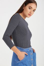 The Everyday Boat Neck is a slim fitted regular length basic length sleeve top with boat neckline. Model wears size S& Composition: Cotton Elastane Boat Neck, Long Sleeve Tops, Turtle Neck, Crop Tops, Sweaters, Cotton, Stuff To Buy, Shirts, Shopping