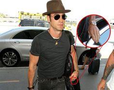 Justin Theroux fin a su luna de miel con Jennifer Aniston y presume de anillo - Contenido seleccionado con la ayuda de http://r4s.to/r4s
