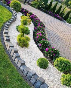 Courtyard Landscaping, Backyard Garden Design, Backyard Designs, Backyard Ideas, Landscaping Design, Outdoor Landscaping, Mailbox Landscaping, Garden Path, Garden Design Ideas