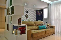 Nichos + Sala Estar | Projeto Unio Arquitetura #unioarquitetura Couch, Photo And Video, Furniture, Instagram, Home Decor, Arquitetura, Settee, Sofa, Couches