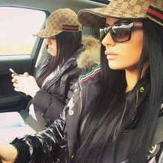 Chic - latest designer trends, high fashion accessories on We Heart It Outfits With Hats, Fall Outfits, Cute Outfits, Fashion Outfits, Chicas Dpz, Flipagram, Love Fashion, High Fashion, Gucci Hat