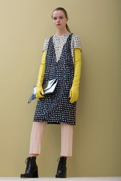 Christian Wijnants Fall 2016 Ready-to-Wear Fashion Show
