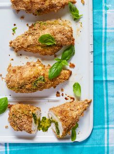 These slimming and Weight Watchers friendly Chicken Kievs are just as good as the old favourite and are really versatile! Serve them with potatoes, chips or rice, with a side salad or veg. Light Chicken Recipes, Dirty Fries, Carrot And Coriander Soup, Pinch Of Nom, Cooking Recipes, Healthy Recipes, Batch Cooking, Healthy Dinners, Clean Recipes