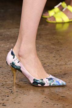 Tabitha Simmons by Peter Som Stilettos, Pumps, Fashion Wear, Fashion Shoes, New Look Clothes, Tabitha Simmons, Walk This Way, Glass Slipper, Shoe Box