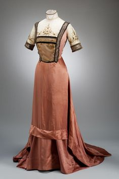 "gdfalksen: ""Dress ""1910 Hungary Museum of Applied Arts, Budapest "" "" Or you know, we could keep the post intact so it leads back to my blog"