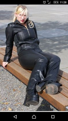 Tight Leather Pants, Leather Jeans, Leder Outfits, Lederhosen, Fetish Fashion, Leather Fashion, Sexy Women, Lady, Womens Fashion