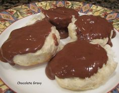 Southern Classic ~ Creamy Chocolate Gravy recipe over Buttermilk Biscuits. Easy but decadent, Simple but scrumptious breakfast! Breakfast Dishes, Breakfast Recipes, Dessert Recipes, Brunch Recipes, Breakfast Ideas, Yummy Treats, Sweet Treats, Yummy Food, Chocolate Gravy Recipe