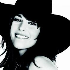 Liv Tyler, Givenchy  Repinned by www.fashion.net