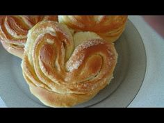 Soft, tender and very tasty buns-the buns are like children, and adults will not abandon this baking. Therefore, I suggest you a great recipe on this . Russian Cakes, Russian Desserts, Russian Recipes, Sweet Buns, Romanian Food, No Sugar Foods, Food Categories, Homemade Cakes, Food Videos