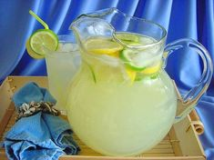 Lime And Lemonade cup fresh lime juice 1⁄2 cup fresh lemon juice 3⁄4 cup sugar 4 cups cold water 1 lemon, sliced ice cube