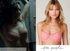 Shameless: Season 5 Episode 1 Fiona's Pink Lace Bra